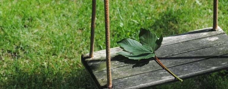 how to attach a swing to a tree branch